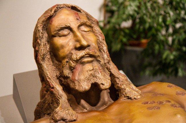 Tatsächlich ein Abbild Christi? Mit Hilfe von Computerberechnungen wurde anhand der Spuren aus dem Tuch dieser Korpus erstellt.