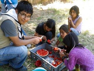 Kochen für alle im Zeltlager. (Foto: SMMP/Sadura)