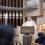 Pater Guido Hügen sprach in seiner Predigt über den Wert und die Bedeutung der Freundschaft. (Foto: SMMP/Beer)