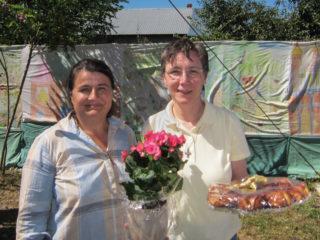 Die Leiterin des Kinderheims und des Sozialen Zentrums, Sr. Juliana Ciceu, und die neue Verantwortliche Sr. Dorothea Brylak. Foto: Winfried Meilwes/SMMP