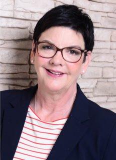 Annette Longinus-Nordhorn hat schon die ersten beiden Senioren-WGs mit aufgebaut, die sie noch immer leitet. Zusätzlich ist sie verantwortlich für den Bereich ambulant betreute Wohngemeinschaften der Seniorenhilfe SMMP.