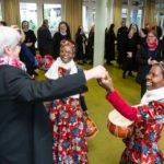 Schwester Ester und Schwester Luisa fordern Schwester Hanna zum Tanz auf. Foto: SMMP/Ulrich Bock