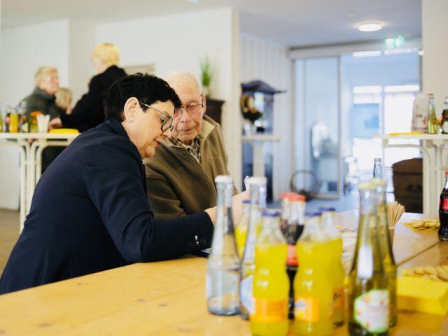 Annette Longinus-Nordhorn freute sich heute über reges Interesse an der neuen Senioren-Wohngemeinschaft in Bökenförde. (Foto: Beer/SMMP)