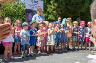 Dann präsentieren die Kinder der Montekita am Bergkloster ein Musikstück. Foto: SMMP/Bock