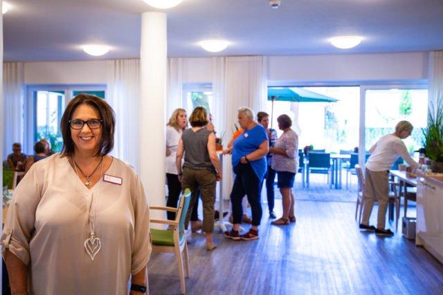 Bettina Czischke ist die Hausmanagerin der neuen Senioren-WG St. Lambertus in Ahlen-Dolberg. (Foto: SMMP/Artur Miller)
