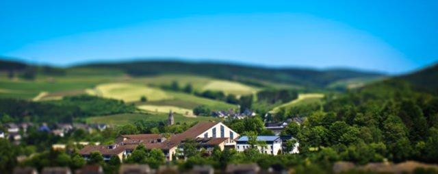 Das Bergkloster Bestwig mit dem Haus der Begegnung. Foto: SMMP/Andreas Beer