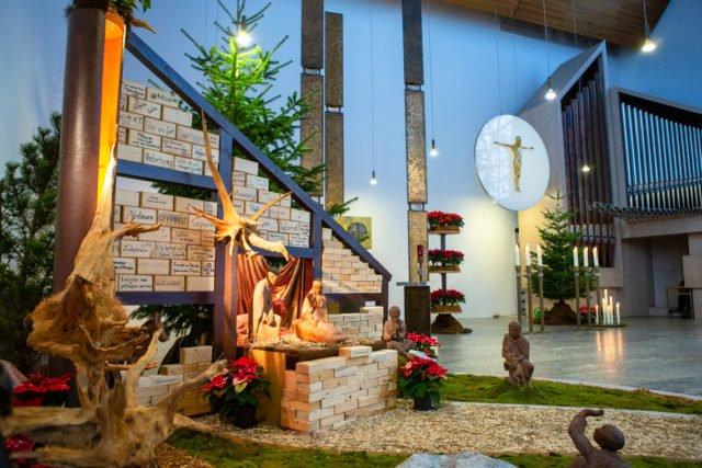 Weihnachtskrippe in der Dreifaltigkeitskirche des Bergklosters Bestwig. (Foto: SMMP/Beer)