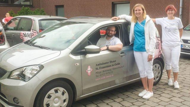 Neuen Mitarbeiterinnen und Mitarbeiter die mehr als 25 Kilometer Anfahrtsweg haben, wird künftig auch ein Dienstwagen angeboten. Foto: SMMP/Sylvia Metche